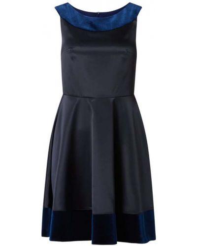 Satynowa niebieska sukienka koktajlowa rozkloszowana Paradi