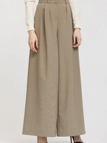 Бежевые брюки Charuel