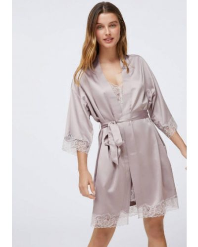 Розовый домашний ажурный халат Oysho