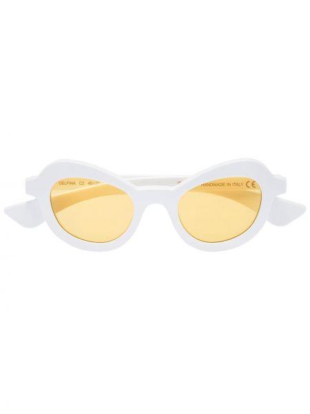 Białe okulary Illesteva