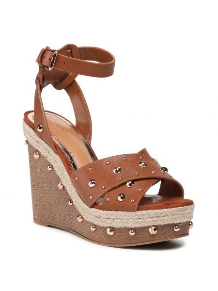 Brązowe sandały casual Deezee