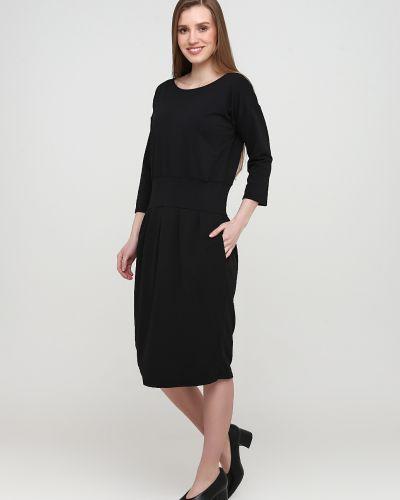 Черное платье с круглым вырезом Makadamia