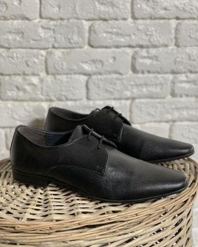 Кожаные туфли - черные Pier One