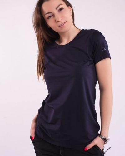 Прямая футболка эластичная классическая Avecs