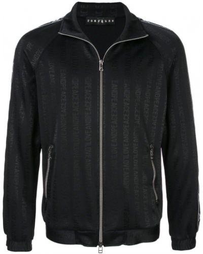 Черная куртка Roarguns