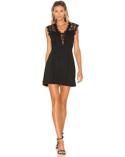 Кружевное черное вечернее платье с американской проймой Bcbgeneration