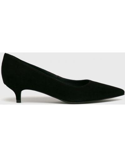 Туфли на каблуке кожаные на шпильке Gino Rossi
