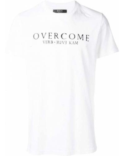 Футболка белая с логотипом Overcome