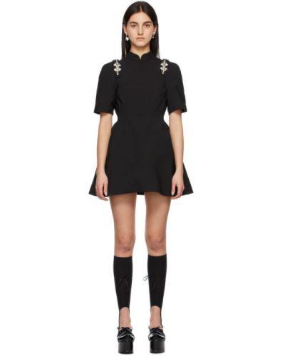 Satynowa czarna sukienka mini kopertowa Shushu/tong