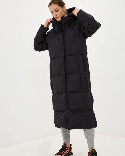 Фиолетовая зимняя куртка Adidas