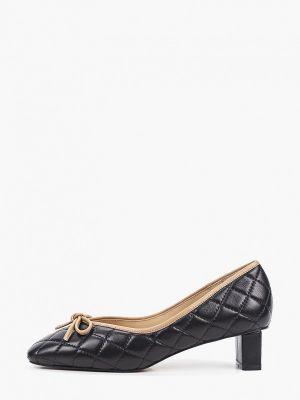 Черные кожаные туфли закрытые Tuffoni