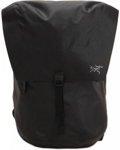 Czarny plecak na laptopa klamry Arcteryx