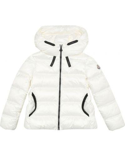 Теплая пуховая белая куртка Moncler Enfant