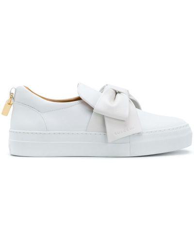 Белые кроссовки с бантом Buscemi