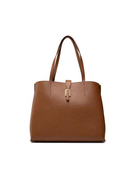 Brązowa klasyczna torebka Furla