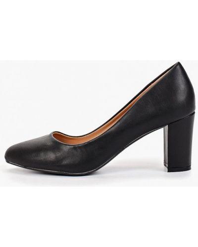Туфли на каблуке черные кожаные Vera Blum