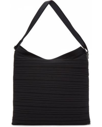 Czarna torba na ramię Pleats Please Issey Miyake