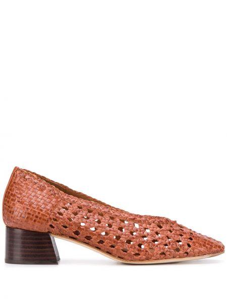 Коричневые туфли-лодочки с квадратным носком квадратные без застежки Miista
