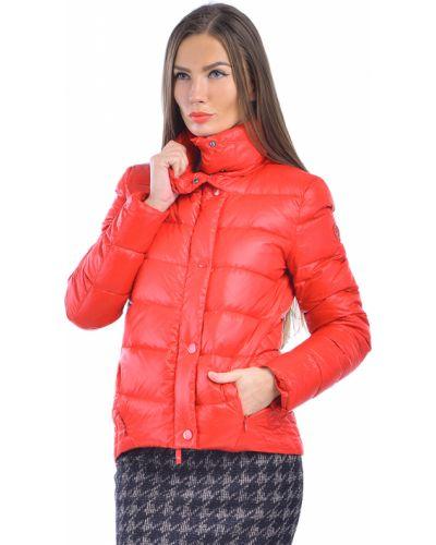 Красный пуховик Armani Jeans