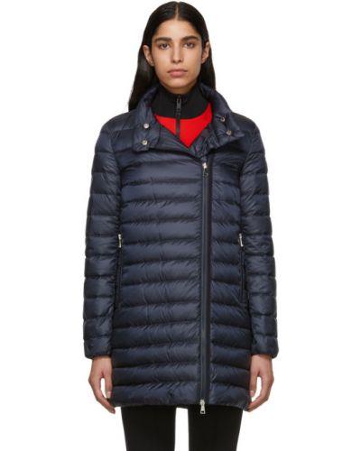 Стеганое пуховое длинное пальто с воротником Moncler