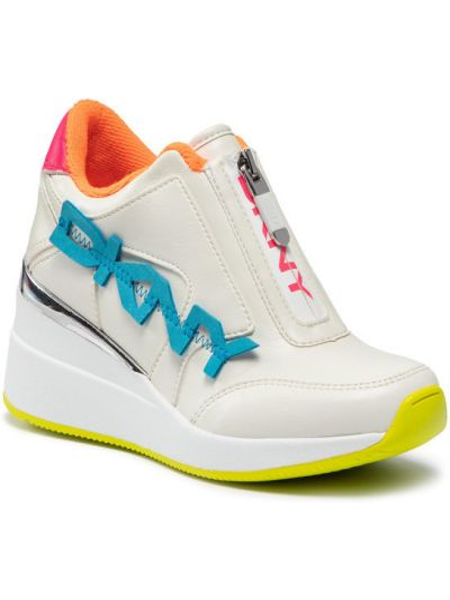 Białe sneakersy na koturnie Dkny