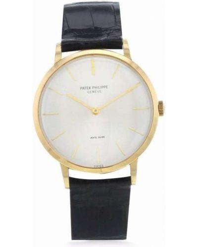 Часы серебристые Patek Philippe