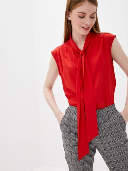 Красная блузка без рукавов снежная королева