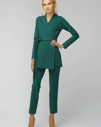 Костюмный зеленый брючный костюм Toryz