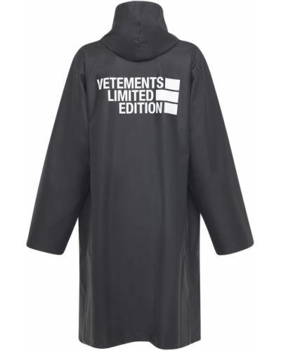 Czarny płaszcz przeciwdeszczowy Vetements
