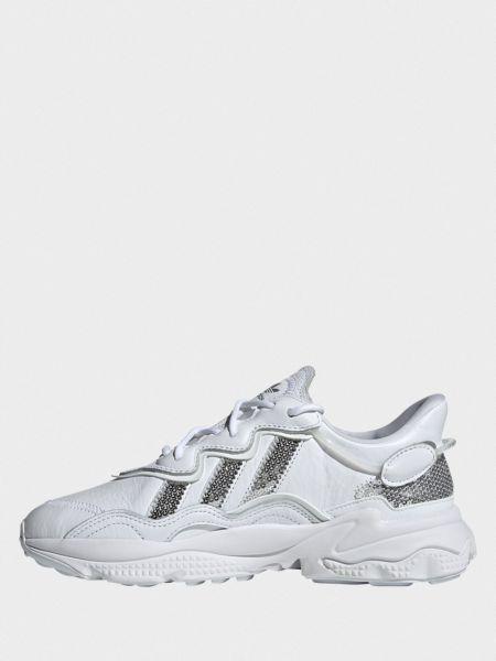 Замшевые белые кроссовки на шнурках Adidas