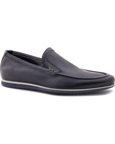 Черные туфли с перфорацией Fabi