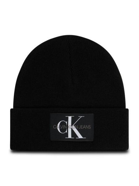 Czarna czapka beanie Calvin Klein Jeans