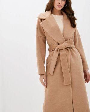 Бежевое пальто с капюшоном Love Republic