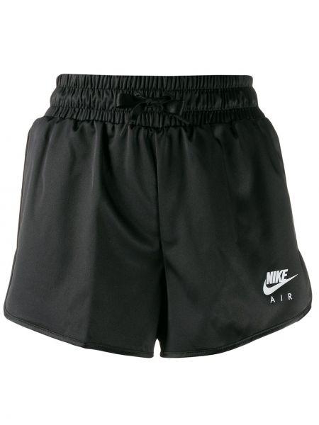 Шорты черные с карманами Nike