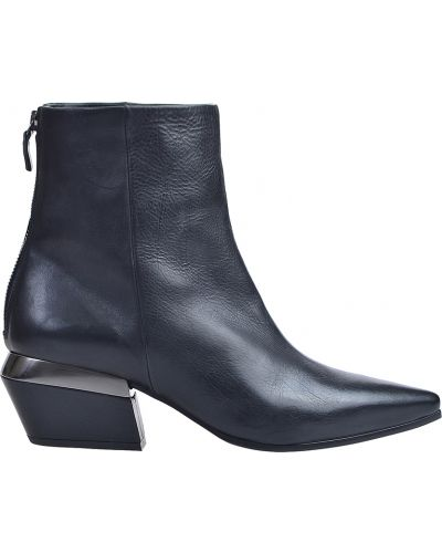 Кожаные ботинки осенние на каблуке Vic Matie