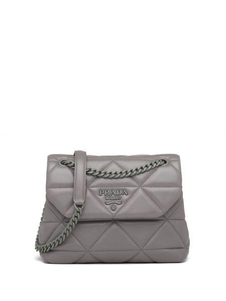 Кожаная стеганая серая сумка на цепочке Prada