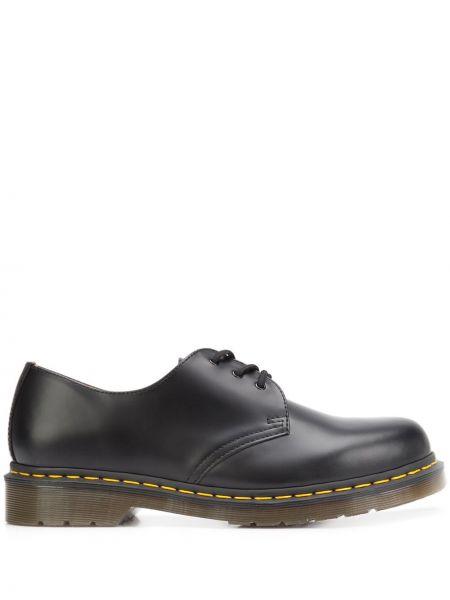 Кожаные черные кожаные туфли Dr Martens