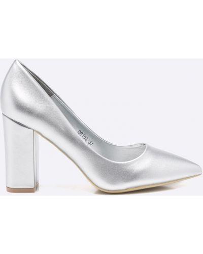 Туфли серебряного цвета Answear