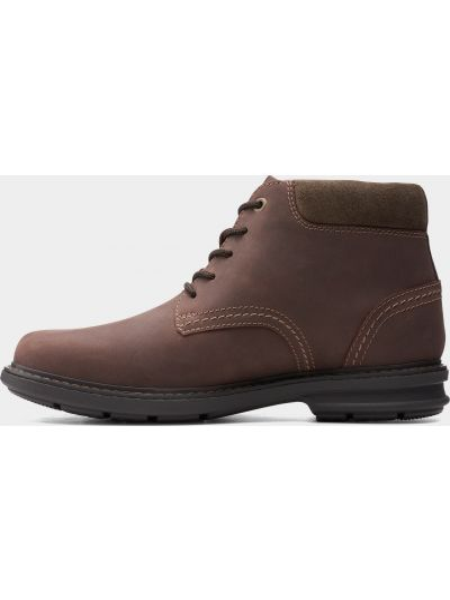 Коричневые ботинки Clarks