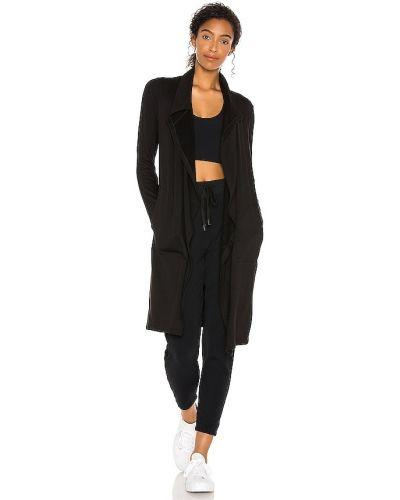 Черная пуховая спортивная куртка для полных Splits59