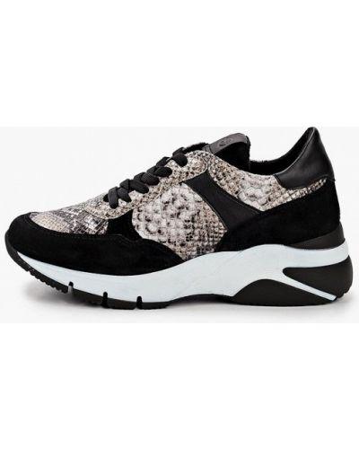 Черные кроссовки из натуральной кожи Tamaris