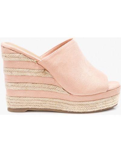 Розовые сандалии на танкетке Answear