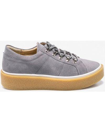 Туфли на танкетке на шнуровке кожаные Wojas