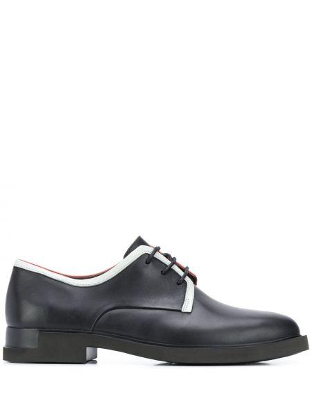 Koronkowa czarny buty brogsy na sznurowadłach z prawdziwej skóry Camper