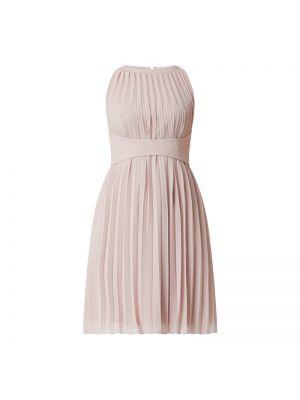 Różowa sukienka koktajlowa bez rękawów Apart Glamour