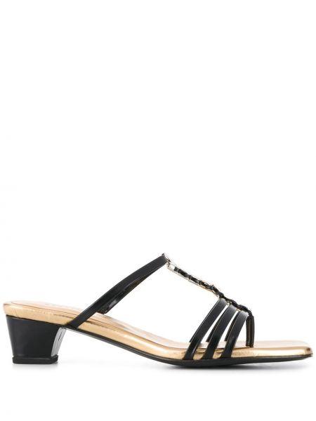 Кожаные черные босоножки на каблуке квадратные Dorateymur