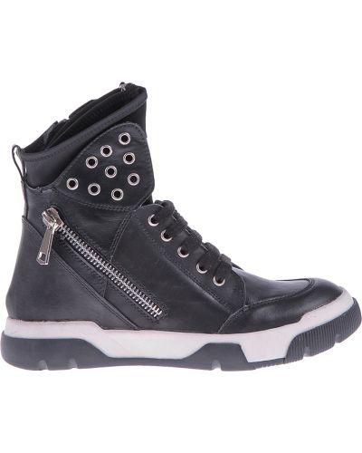 Черные кроссовки Studio Italia
