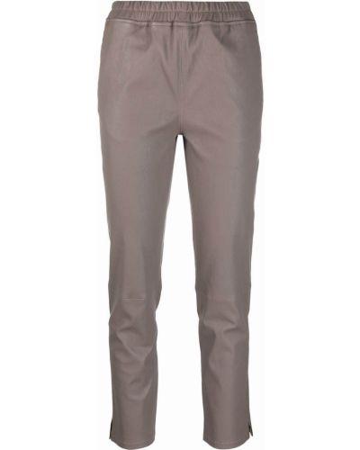 Серые кожаные брюки Arma
