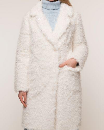 Прямое белое пальто с воротником каляев