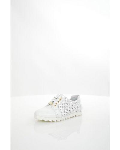 Ботинки без каблука белые кожаные Спартак